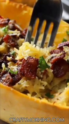 Keto Snacks Discover Spaghetti Squash Bacon Au Gratin Recipe Make this yummy keto spaghetti squash au gratin recipe for dinner. Makes a great side dish. Low carb and your guests will love it! Ketogenic Recipes, Low Carb Recipes, Diet Recipes, Cooking Recipes, Healthy Recipes, Ketogenic Diet, Recipes Dinner, Microwave Recipes, Healthy Recipe Videos