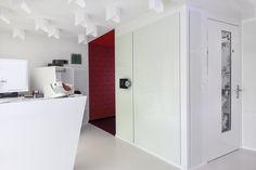 www.dental-club.ch #Zahnarzt #Dentist #Dental #Zahnarztpraxis #Schweiz #DentalClub #Steinhausen #Zug Bathroom Medicine Cabinet, Tall Cabinet Storage, Dental, Furniture, Home Decor, Dental Care Center, Zug, Switzerland, Decoration Home