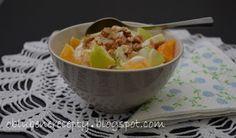 Obľúbené recepty: Ovocný šalát s orechmi a s jogurtovým dresingom