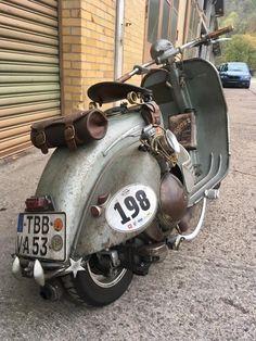 motorcycles and scooter Piaggio Vespa, Vespa Gts, Vespa Bike, Vespa Sprint, Lambretta Scooter, Vespa Scooters, Vintage Vespa, Vintage Bikes, Vintage Motorcycles