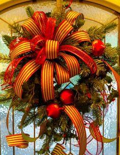 Christmas Wreaths Portfolio - Professional Wreath Designs Christmas Wreaths For Front Door, Christmas Swags, Christmas Ornament Crafts, Christmas Ribbon, Holiday Wreaths, Christmas Decorations, Winter Wreaths, Outdoor Decorations, Holiday Decorating