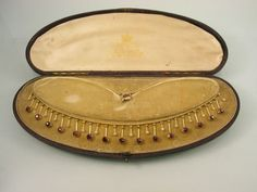 FINE-ANTIQUE-EDWARDIAN-GOLD-GARNET-PEARL-FRINGE-NECKLACE-IN-FITTED-BOX-CASE