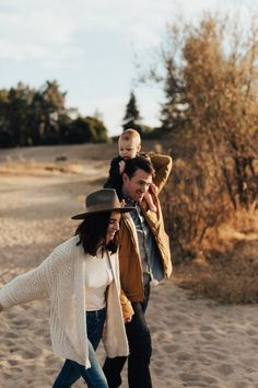 5 Things About November - Cheetah is the New Black - beach time beach time beach time Welcome to our website, We hope you are satisfied with the content - Family Shoot, Family Photo Sessions, Family Posing, Family Guy, Happy Family, Family Life, Family Photoshoot Ideas, Fall Family Portraits, Beach Portraits