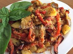 patate e peperoni gratinati in forno (potatoes and peppers browned in oven) Antipasto, I Love Food, Good Food, Healthy Cooking, Cooking Recipes, Calories, International Recipes, Vegetable Dishes, My Favorite Food