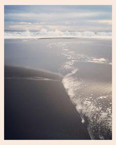 Les belles plages de sable noir... #lareunion #ravinedesavirons #oceanindien #tropiques #tropiqueducapricorne #beach #picoftheday #instapic #instabeach #instaphoto #instaoftheday #photooftheday #landscape #ocean by nathaliecarnet