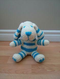 Textual description of firstImageUrl Free Crochet, Knit Crochet, Crochet Animals, Lana, Dinosaur Stuffed Animal, Crochet Patterns, Quelque Chose, Knitting, Toys