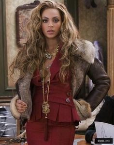 Beyonce Fur bomber jacket from. 4 Beyonce, Beyonce Coachella, Beyonce Style, Beyonce Knowles Carter, Beyonce And Jay Z, Rihanna, Beyonce Pictures, Idol, Queen B