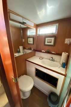 Yacht For Sale, Boats For Sale, Yacht Interior, Interior Design, Chris Craft Boats, Fresh Water Tank, Motor Yacht, Power Boats, Diesel Engine