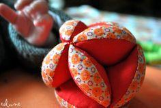 Balle de préhesion Montessori L'armoire d'Eolune Lien vers tuto