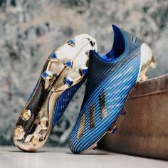 "launch the X ""Inner Game"" edition in a stunning ""Core Black/Gold Metallic/Blue"" colourway. See more online 📲… Adidas Soccer Boots, Adidas Cleats, Adidas Football, Adidas Sport, Soccer Shoes, Football Soccer, Cool Football Boots, Football Shoes, Sexy Boots"