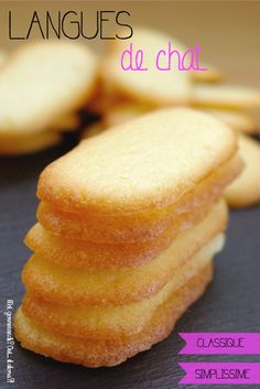 Biscuits et Cie – Page 4 Desserts With Biscuits, Kid Desserts, French Desserts, French Bakery, Heart Shaped Cookies, Book Cakes, Dinner Entrees, Biscuit Cookies, Dessert For Dinner