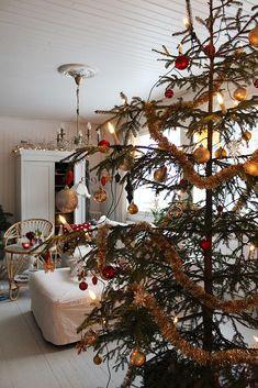 Joulua Christmas Tree, Holiday Decor, Home Decor, Teal Christmas Tree, Decoration Home, Room Decor, Xmas Trees, Christmas Trees, Home Interior Design
