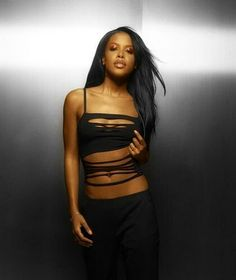 Aaliyah was so beautiful & talented so much potential lost 8/25/2001