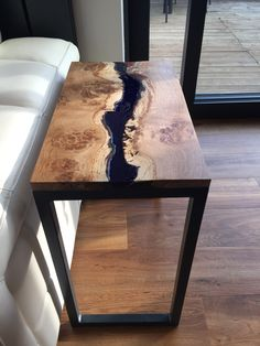 resin river side table - Wood How to Crafts Into The Woods, Wood Resin Table, Wood Table, Resin Furniture, Furniture Design, Live Edge Table, Coffee Table Design, Wood Slab, Colorful Furniture