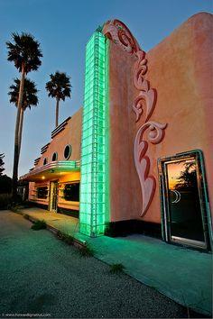 #GoAltaCA | #ArtDeco Building on Main, #MorroBay by Howard Ignatius.