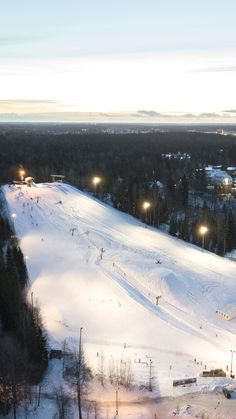 Meet the oldest ski slope in Finland! This one in Kauniainen, close to Helsinki, opened in 1934 and has been actively operating since. Ski Slopes, Skiers, Drone Photography, Helsinki, Snowboarding, Finland, Stuff To Do, Old Things, Meet