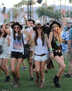 Ludi Delfino - Alessandra Ambrosio - Michelli Buback -- #Coachella