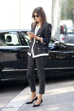 Black skinnies with black and white blazer a chic pair
