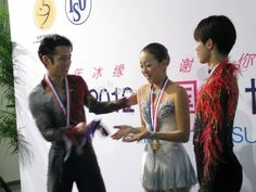 With Tatsuki Machida and Mao Asada(JAPAN) Medal Ceremony : Cup of China 2012