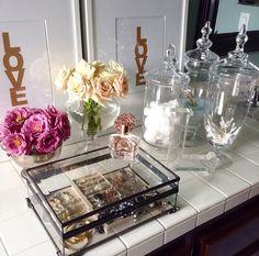 Apothecary jars help keep bathroom organization at its finest! Rangement Makeup, Fotos Do Instagram, World Of Interiors, Apothecary Jars, Makeup Storage, Bathroom Organization, Bathroom Storage, Beauty Room, Bathroom Inspiration