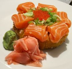 From Gastroposter Linda Matarasso:  Spicy salmon sushi pizza.