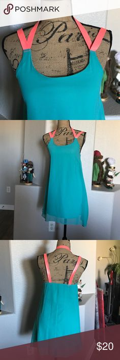 Tobi dress This dress is in great condition!! Tobi Dresses