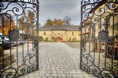 Miło nam będzie Państwa gościć w naszych progach! Zapraszamy do ***Hotelu, Restauracji, Winiarni... zapraszamy do Mszany Dolnej!