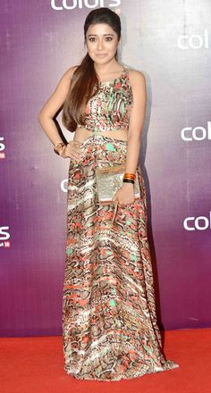 Hrithik Roshan, Alia Bhatt, Shraddha Kapoor, Sridevi, Madhuri Dixit and a host of other popular Bollywood and television celebrities graced a TV channel s awards extravaganza Tina Dutta, Tv Actors, Shraddha Kapoor, Alia Bhatt, Latest Pics, Indian Girls, Beautiful Actresses, Girl Pictures, Wedding Hairstyles