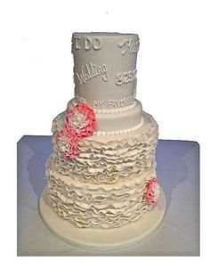 Ruffle Wedding Cake by: The Sweet Divine www.thesweetdivine.com #wedding #cake #stl