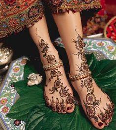 12 Stunning Feet Mehndi Designs
