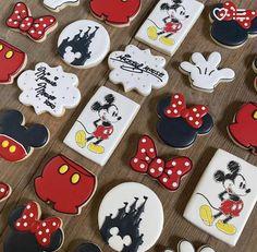 Minnie Mouse Cookies, Disney Cookies, Mickey Mouse Birthday Cake, Mickey Mouse Clubhouse, Birthday Cookies, Mickey Sugar Cookies, Iced Cookies, Cut Out Cookies, Royal Icing Cookies