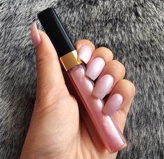 #pretty #makeup #lipgloss #pinknails