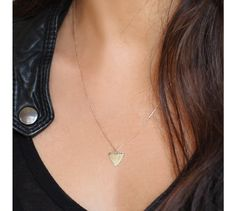 d827e40500112 Feidt shark tooth necklace Cailloux, Collier De Dent De Requin, Collier En  Or,