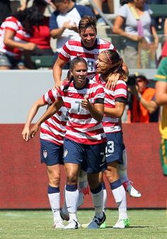 US wnt win vs. Australia as part of their Fan Tribute Tour
