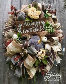 HolidayBaubles on Etsy Diy Fall Wreath, Autumn Wreaths, Wreath Ideas, Thanksgiving Wreaths, Christmas Wreaths, Christmas 2019, Deco Mesh Wreaths, Burlap Wreaths, Fall Deco Mesh