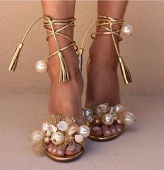 Casadei gold and pearl heels Fab Shoes, Cute Shoes, Me Too Shoes, Shoes Heels, Heels Outfits, Stilettos, High Heels, Golden Shoes, Beautiful Shoes