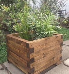 Woodworking for beginners woodworking plans woodworking tools. Are you new to woodworking and looking for free woodworking projects plans tips ideas & more look no further! Diy wood projects. Diy Wood Planters, Garden Planter Boxes, Wood Planter Box, Outdoor Planters, Planter Ideas, Outdoor Box, Planter Box Plans, Raised Planter Boxes, Diy Pallet Projects