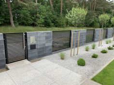 Fence Wall Design, Garden Fence Panels, Design Case, Facade, Architecture Design, Garage Doors, Outdoor Decor, House, Gates