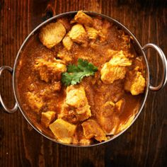 Everyone Wants Bon Appétit @ LinkedIn Team's Butter Chicken Recipe Butter Chicken Spices, Slow Cooker Chicken Curry, Indian Food Recipes, Ethnic Recipes, Entree Recipes, Paleo Recipes, Masala Spice, Superfood Powder, Curry Dishes