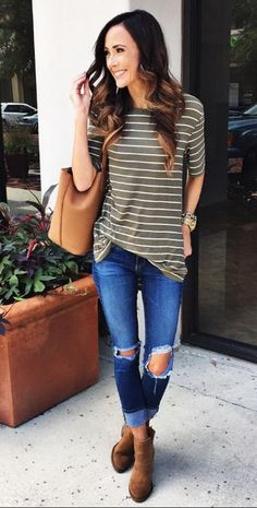 30 Beautiful & Trending Spring/Summer Outfits You Need To Get Right Now - Fashionable T Shirt - Ideas of Fashionable T Shirt - 30 Beautiful Spring Outfits You Need To Get Right Now Summer Outfits, Casual Outfits, Cute Outfits, Fashion Outfits, Womens Fashion, Ladies Fashion, Fashion Clothes, Stylish Mom Outfits, Spring Outfits Women Over 30