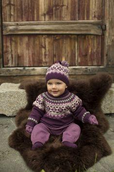 Winter Hats, Crochet Hats, Knitting, Pattern, Design, Fashion, Tejidos, Knitting Hats, Moda