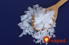 Magnesium bath salts have exceptional health benefits. In this post you will find out what is magnesium salt and 10 amazing health benefits of magnesium bath salts. What Is Magnesium, Foods High In Magnesium, Magnesium Chloride Benefits, Magnesium Bath Salts, Magnesium Flakes, Bath Benefits, La Constipation, Magnesium Deficiency, Health And Wellness