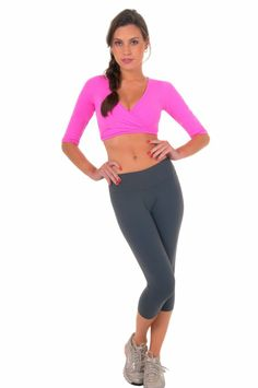 top slimming top out tank tops tops clothes Workout Capris, Sport Outfits, Perfect Fit, Exercise Routines, Sporty, Slim, Yoga Tops, Workout Fitness, Clothes For Women