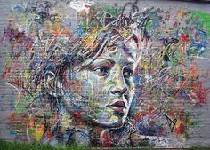 O grafite explosivo em cores de David Walker