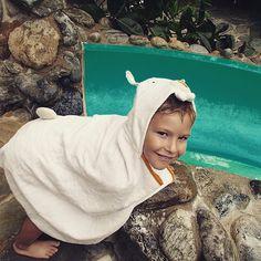 Martin le lapin et hop au toboggan !;) #aleaulesloulous #enfants #serviettesrigolottes