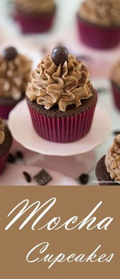 Mocha Cupcakes with espresso buttercream made from scratch. Easy baking, fluffy… - New Site Espresso Cupcakes, Köstliche Desserts, Chocolate Desserts, Delicious Desserts, Dessert Recipes, Chocolate Cupcakes, Moka, Cool Cafe, Recipes