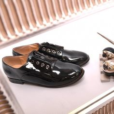 cierne-damske-poltopanky-leskle Men Dress, Dress Shoes, Red Pumps, Derby, Oxford Shoes, Lace Up, Black, Spring, Fashion