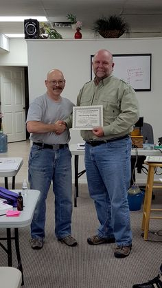 Mike graduating from the Faceting Academy Basic Training event.