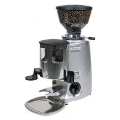 Order the Silver Mazzer Mini Espresso Grinder from My Espresso Shop! See why Mazzer has become the standard of quality in the coffee industry worldwide. Espresso Cups, Espresso Coffee, Best Coffee, Nespresso Essenza, Coffee Industry, Manual Coffee Grinder, Silver Flats, Drip Coffee Maker, Espresso Machine