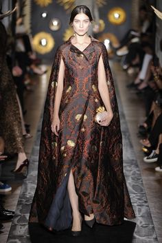 Valentino Fall Couture 2013 - Slideshow OMG I can't wait until I publish my first creations. This is fantastic.